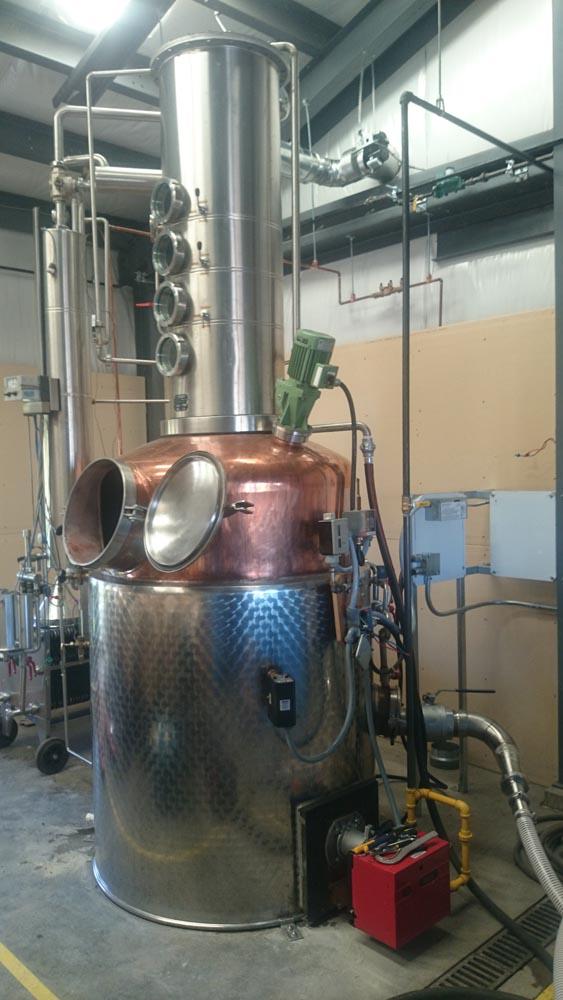 Food-and-beverage-distiller