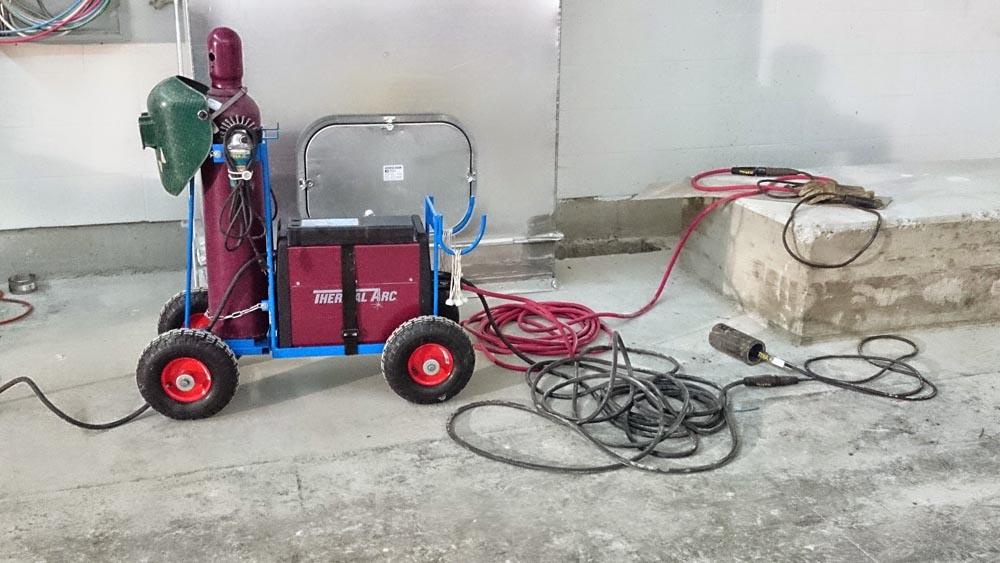 misc-welding-and-fabrication-Custom-Welding-Cart-Argon-Bottle